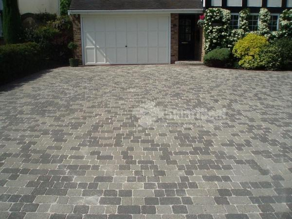 Cobbled pavers after sealing